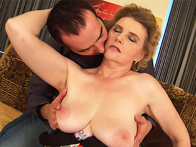 chubby moms first tit job