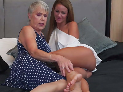 Granny and girl try lesbian sex
