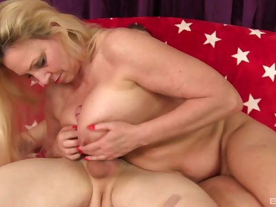 Blonde milf Carla Craves adores to please her friend's penis until he cum