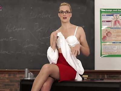Nerdy tutor Ariel Anderssen gets nude and flashes her natural small tits