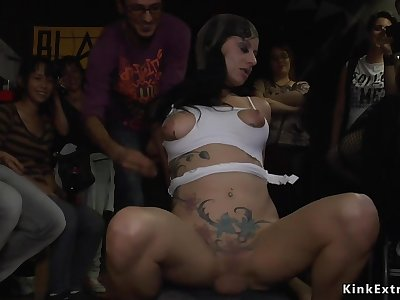 Babe blowing and fucks big male pole in crowded bar