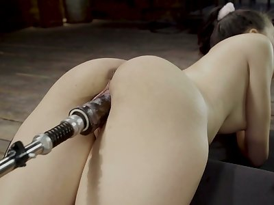 Crazy Fucking utensil makes Scarlett Bloom's pussy dripping