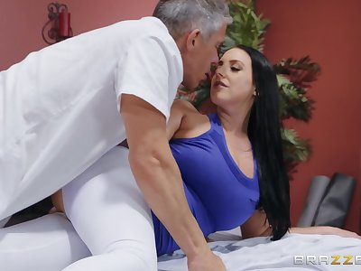 After workout wet Angela White wants to erode on a friend's beak