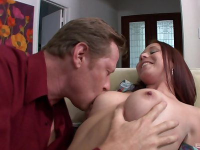 Older lover goes hard undeviatingly hooking alongside with cute Autumn Kline