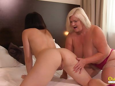 Hot lady from britain got involved in lesbian pussy licking action