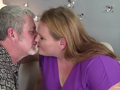 Amateur kirmess BBW gets treated forth a hard detect