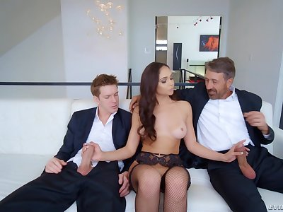 Provocative wifey Ariana Marie strokes two dicks and gets DP