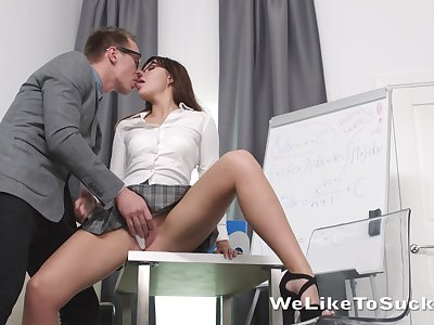 Geek in glasses bangs goody-goody Lanna increased by cums on her face